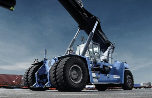 New stability for empty container handlers - Nokian Tyres adds new sizes to the Nokian HTS G2 tire family