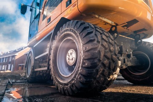 Nokian Ground Kare – New Excavator and Backhoe Loader Tire Meadows, Roads and Railways
