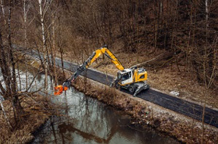 Liebherr provides new solutions for efficient tree care and the timber industry